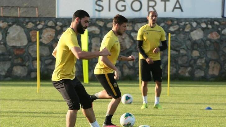 Yeni Malatyaspor'dan bazı futbolculara sözleşme kararı...