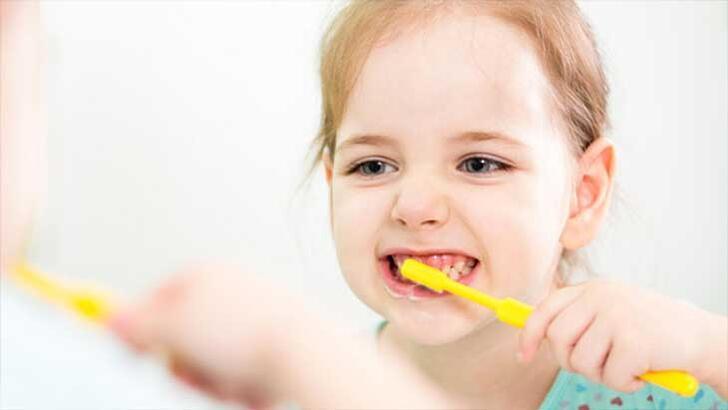Uzmanından evde kalan çocuklar için 'diş sağlığı' uyarısı