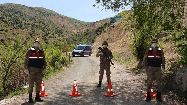 Son dakika... Erzurum'da yaşlı adamdan mahalledeki 33 kişiye virüs bulaştı!