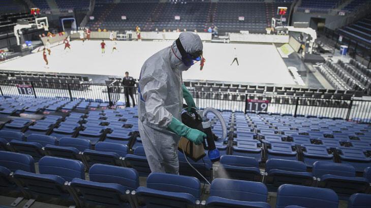 Anadolu Efesli oyuncular, yarın koronavirüs testinden geçecek