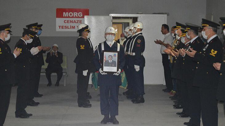 Kaza kurşunuyla yaşamını yitiren uzman çavuş Mustafa Albayrak memleketine uğurlandı