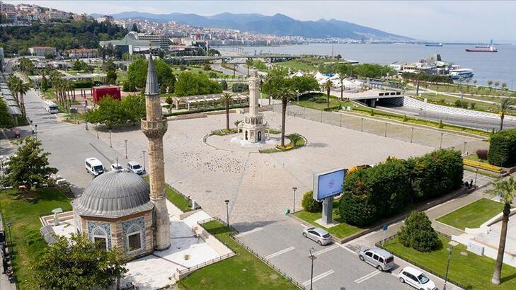 İzmir bayram namazı ne zaman, saat kaçta? İzmir Ramazan Bayramı namaz saati ve vakitleri...