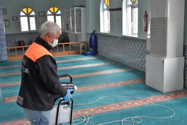 Gemlik'te camiler dezenfekte edildi