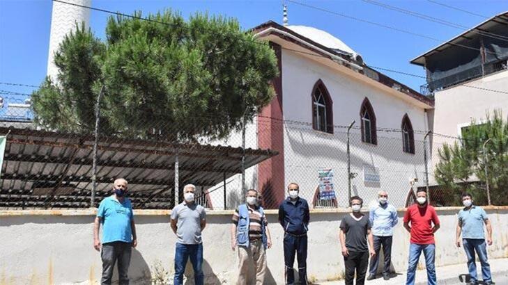 İzmir'de cami hoparlörlerinden müzik yayınına ilişkin tepkiler