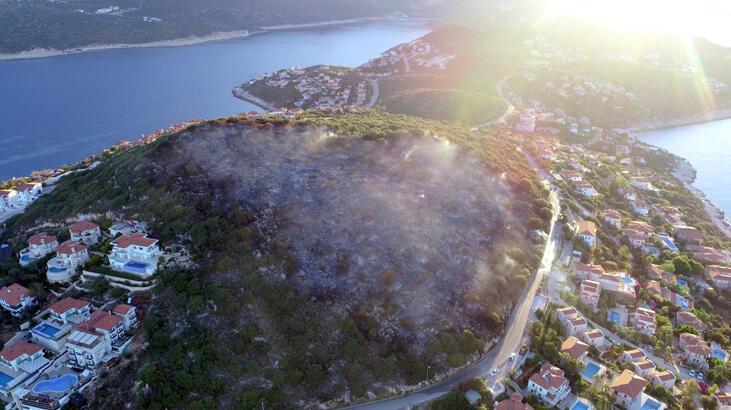 Yangının verdiği hasar gün ağarınca ortaya çıktı