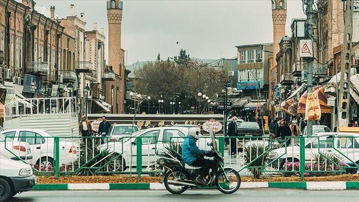 İran'da corona virüs nedeniyle ölenlerin sayısı 7 bin 417'ye yükseldi