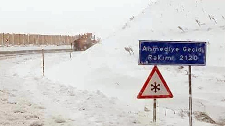 Erzincan'da kışı aratmayan görüntü! Mayıs ayında kar yağdı