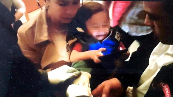 Aksaray'da ayağını tuvalet giderine sıkıştıran çocuğu itfaiye kurtardı