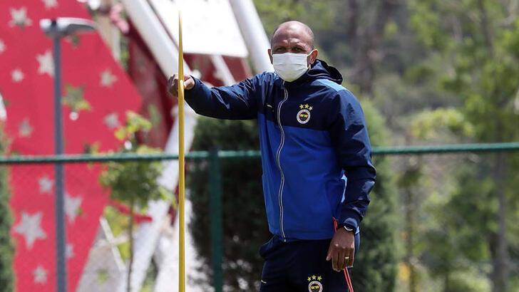 Fenerbahçe'de flaş karar! Aurelio ile devam...