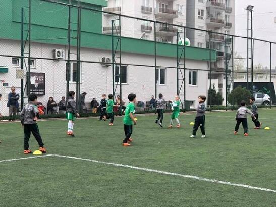 Bursasporlu PFDD Futbol Okulu kapılarını açıyor