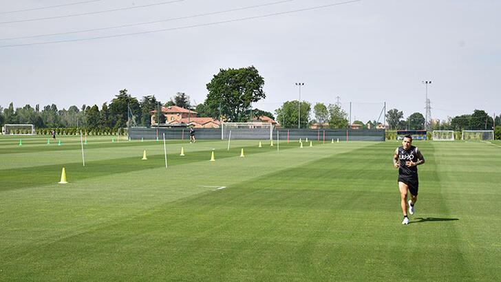 Bologna takımında Kovid-19 şüphesi toplu idmanları durdurdu