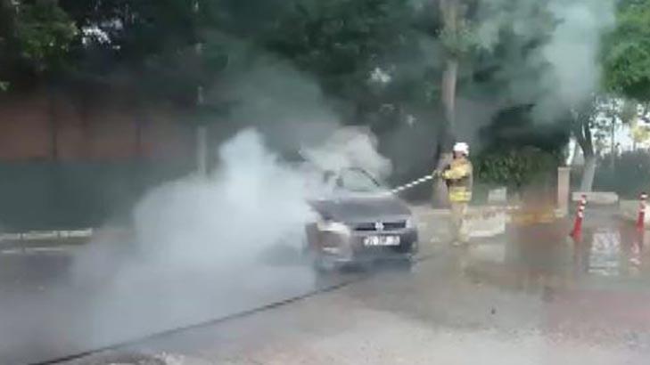 Silivri'de otomobil, Çatalca'da TIR dorsesi yandı!