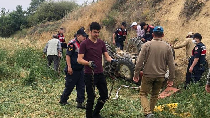 Son dakika... Kullandığı traktör devrildi, 4 yaşındaki kardeşi öldü!