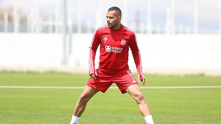 Sivasspor'da Fernando sakatlandı!