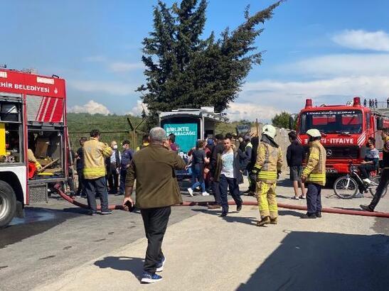 Tuzla'da çatı yangını
