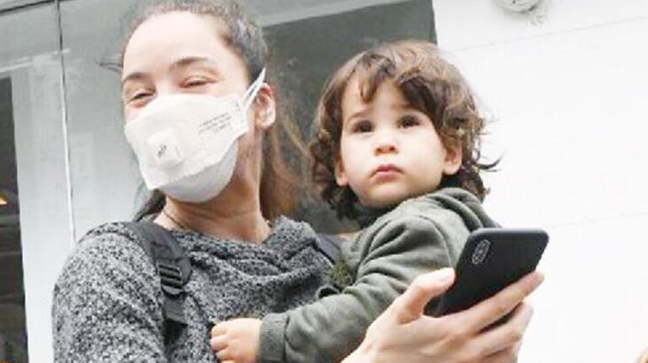 Azra Akın: Demir aşı oldu