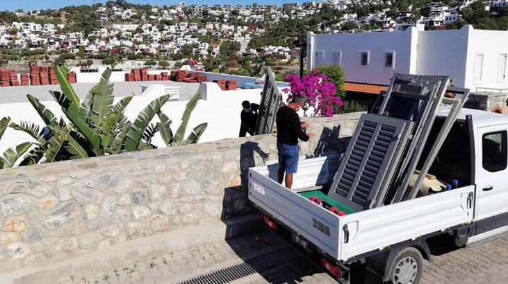 Son dakika: Yılmaz Özdil'in villasındaki kaçak eklentiler yıkılıyor