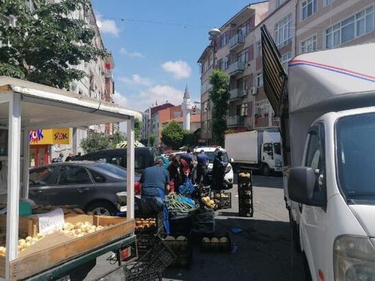 Fatih'te yasağı delip pazar kurdular, 10 bin 716 lira ceza yediler