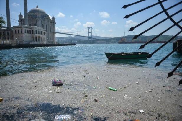 Beşiktaş Sahili çöplüğe döndü(havadan fotoğraflarla)