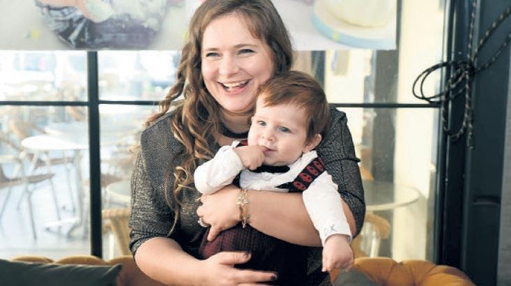 Çalışan annelere 200 euro destek
