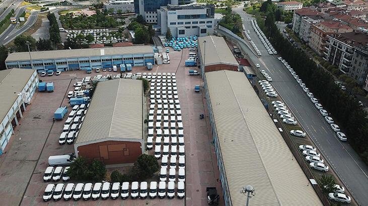 İSKİ'nin bahçesinde dikkat çeken görüntü! Yüzlerce araç