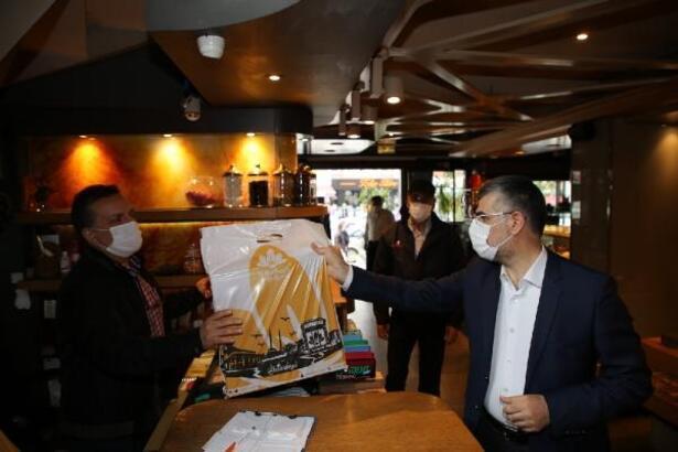 Sultanbeyli'de açılan dükkanlarda siftah Başkan Keskin'den