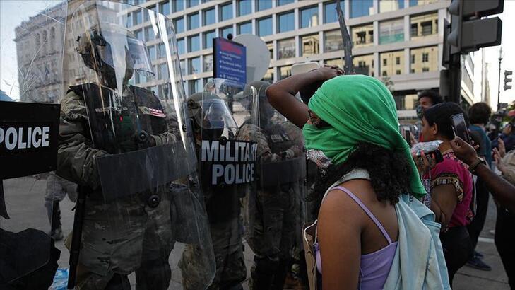 ABD'deki protestoları takip eden TRT World ekibine iki ayrı saldırı