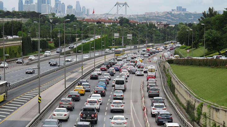 Normalleşme sürecinin 3. gününde trafik yoğunluğu