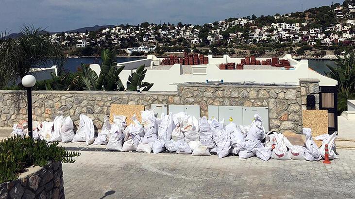 Özdil'in villasındaki kaçak eklentilerin yıkım çalışması 5'inci gününde