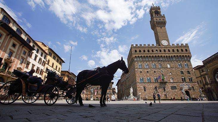İtalya'da corona virüs'ten ölenlerin sayısı 33 bin 601'e yükseldi