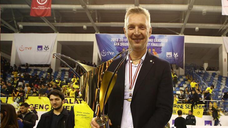 Fenerbahçe HDI Sigorta'da Mariusz Sordyl ile yollar ayrıldı