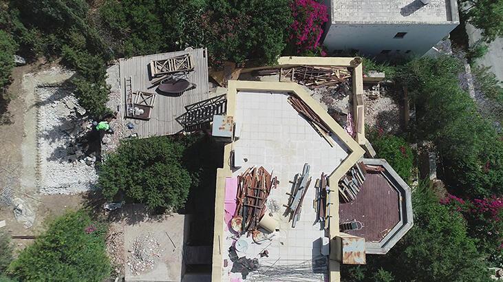 Can Dündar'ın villasındaki kaçak bölümlerin yıkımında 6'ncı gün