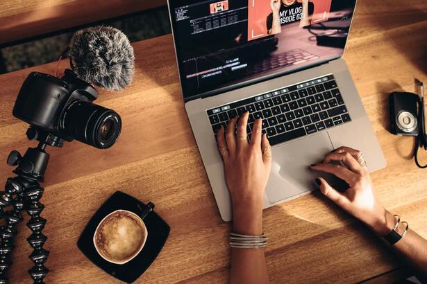 Etkileyici Vloglar oluşturmak için ipuçları ve Vlog kamera önerisi