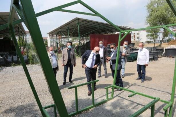 Darıca Belediyesi kent mobilyalarını üretiyor