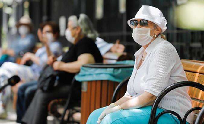 65 yaş üstü saat kaçta sokağa çıkacak? Dışarı çıkma izni ne zaman?