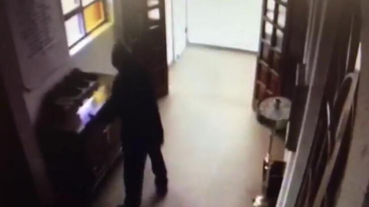 Cami ve kiliselerden hırsızlık yapan şüpheli kamerada