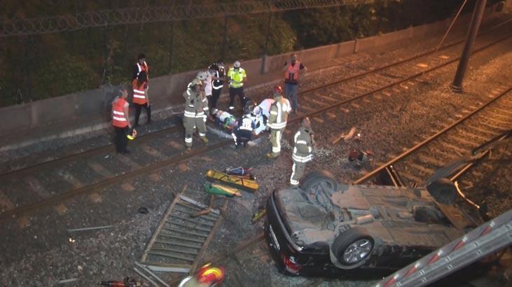 Bakırköy'de otomobil metro hattına uçtu