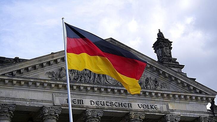 """Almanya'dan """"salgında ikinci dalga"""" açıklaması"""