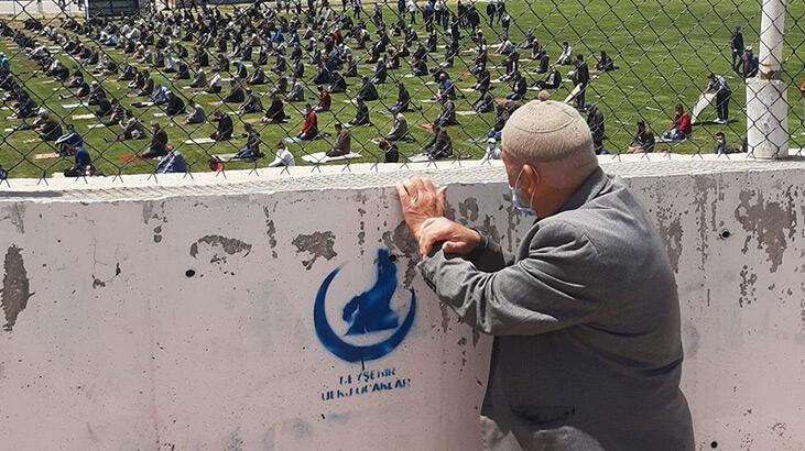 Cuma namazı için stada alınmayan dedeye Cumhurbaşkanı Erdoğan'dan hediye