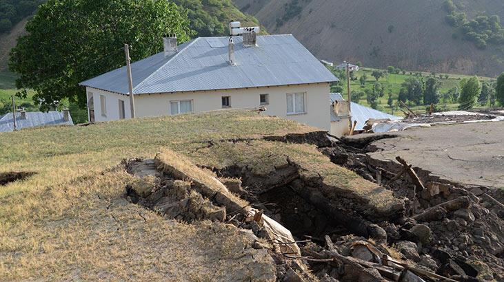 Bingöl depreminde sadece taştan yapılar yıkıldı, nedeni çürüyen kereste