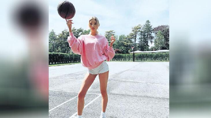 Basket güzeli Elsa Hosk