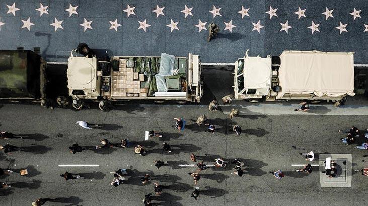 ABD'de protestoları izleyen askeri uçaklara inceleme