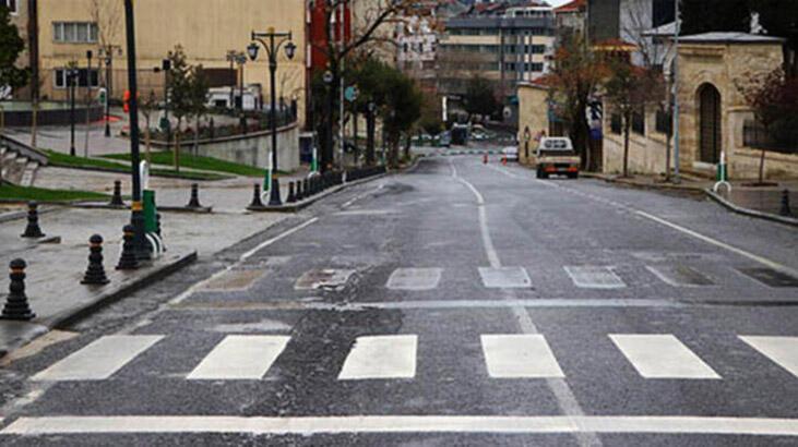 Sokağa çıkma yasağı hangi saatlerde? Sokağa çıkma yasağı kaçta bitiyor? Marketler açık mı?