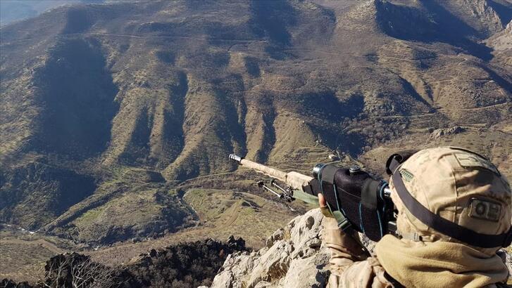 Son dakika: Bitlis'te 2 terörist etkisiz hale getirildi!