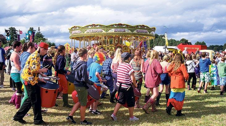 Açık havada  festival rüzgârı