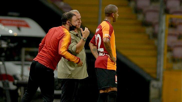 Son dakika   Galatasaray'da Mariano ve Ahmet Çalık şoku! Başakşehir maçında yok