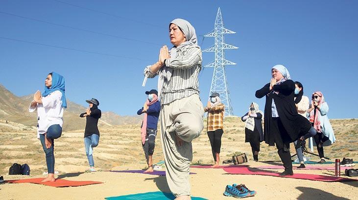 Kabil'de yoga günü
