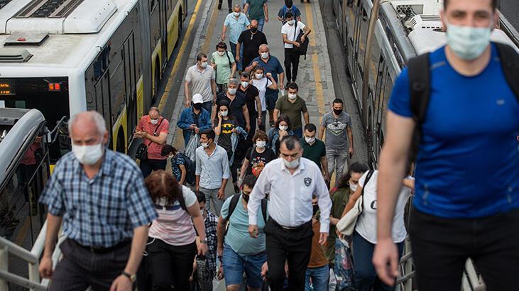 Son dakika haberi... Dışarı çıkacaklar dikkat! İstanbul'da toplu taşıma ve trafikte yoğunluk