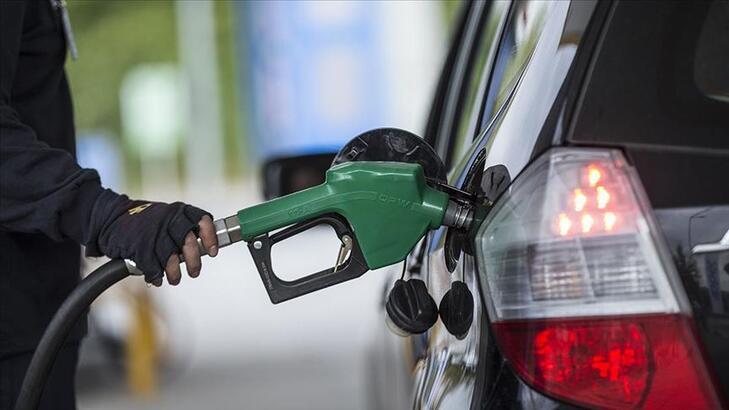 Benzin satışları Mayıs ayında sert geriledi