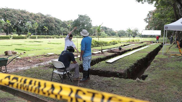 ABD'nin Panama işgalinde ölen 19 kişinin mezarı açıldı